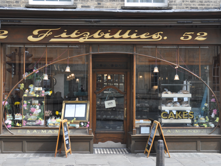 Free-Tour-Cambridge-Español-Fitzbillies-1440x1080